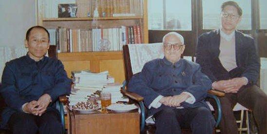 梁漱溟与家人。