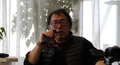 """诗人西川谈诗歌""""式微"""":读者有自己的选择"""
