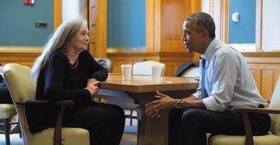 """奥巴马爱她的小说,甚至非要""""客串""""记者和她对话"""