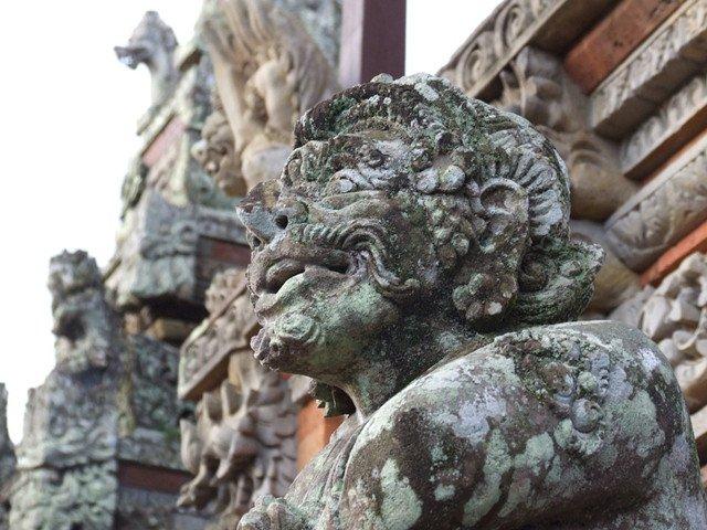 巴厘岛印度神庙的雕塑