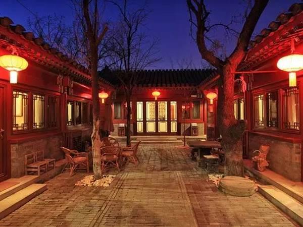 老北京四合院里的盛夏光景:天棚、鱼缸、石榴树