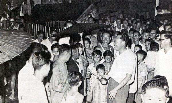 1963年9月,李光耀在新加坡视察的情景