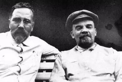 闻一:列宁对高尔基烦了