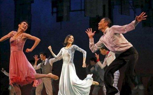 《一起跳舞吧》:都市年轻人的生存状态