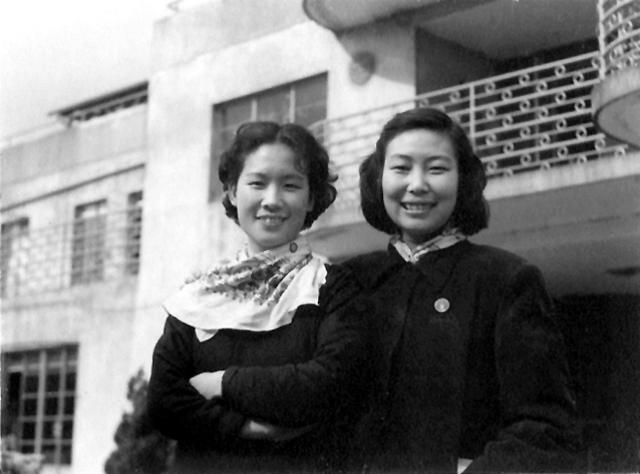 配音演员姚念贻(左)与苏秀