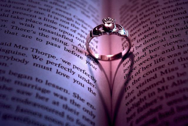 【阅独】文学作品中的求婚姿势