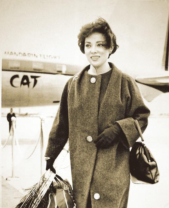 被遣返回日本后,李香兰恢复山口淑子的身份,在中日两国出演多部电影.
