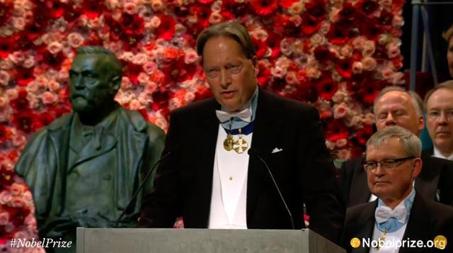 诺奖典礼鲍勃·迪伦授奖词:他淘出了诗歌中的金子