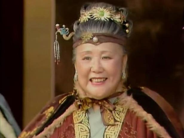 红楼梦里贾母曾主动为宝玉提亲,对象不是林黛玉!