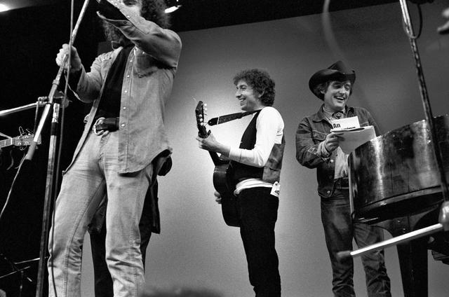 诗人迪伦:诺贝尔文学奖的摇滚选择