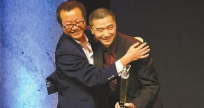 哈佛精英华裔刘宇昆 拿雨果奖比刘慈欣还早
