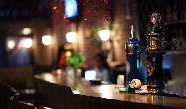 一个人的地方志·广州酒吧志