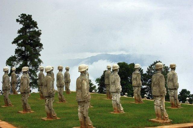 云南松山中国远征军人物雕像雕塑群