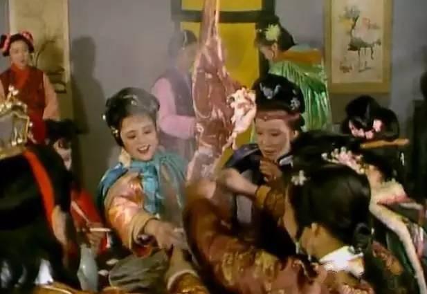 免费电视连续剧金瓶梅_《红楼梦》里的诗意,《金瓶梅》里的肉欲