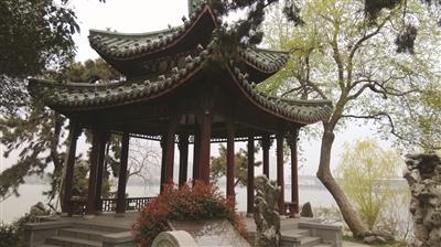 """南朝齐代出现了""""永明体"""" 为唐诗的繁荣奠定了基础"""