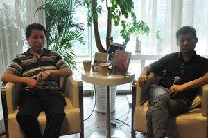 著名作家萨苏(左)、祝勇作