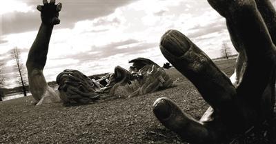 石黑一雄《被掩埋的巨人》:记忆丧失比自相残杀惨烈