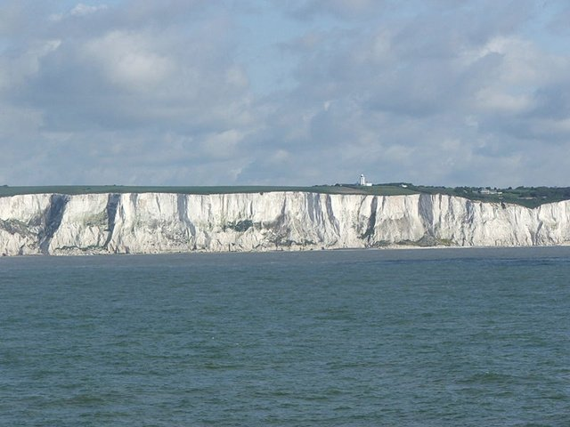 图9:多佛的白崖——它象征着作为家园和海岛要塞的英国