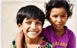 用孩子的笑容温暖世界