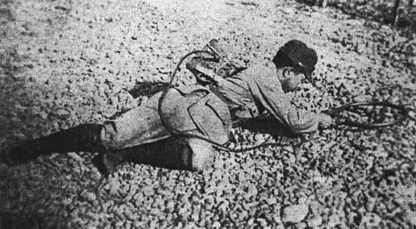 用二式探雷器匍匐v高中的日本高中观工兵英雄图片