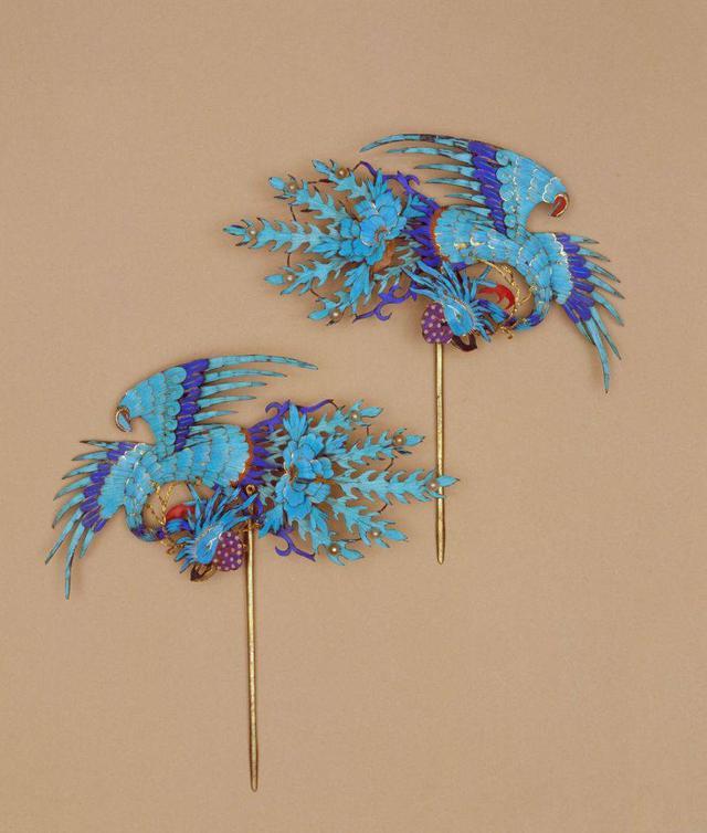 【清】点翠凤凰纹头花图片来自故宫博物馆图片