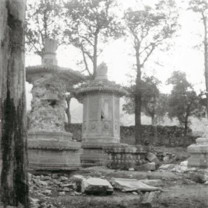 南塔林,迦陵和尚埋骨遗迹