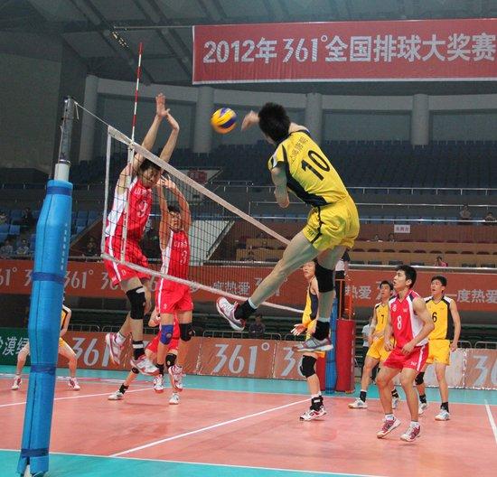 ...全国排球大奖赛金坛赛区男子一、二名决赛在山东男排与上海男...