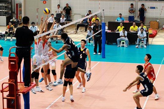 第二十一届中日韩青少年运动会排球比赛精彩不断 高清图片