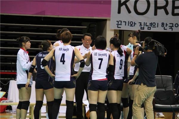 佳兆业杯2014年第四届亚洲杯女子排球比赛中国女排3 0横扫高清图片