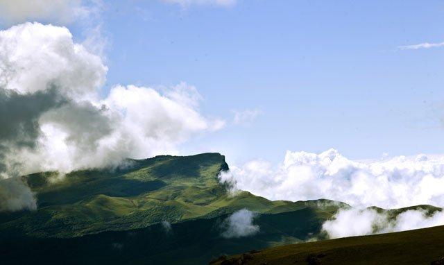 大凉山深处的美姑县:回阿普家过彝族年