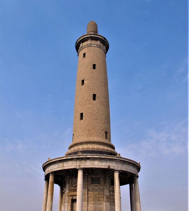 战后日本所建的表忠塔。作者摄于2014年9月12日
