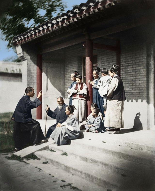 图13、东直门附近信奉基督教的一家人,1860年,伊格热夫摄。