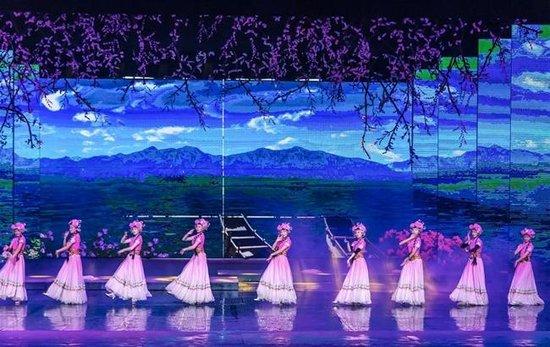 大型歌舞剧《丽江千古情》在丽江宋城旅游区首演