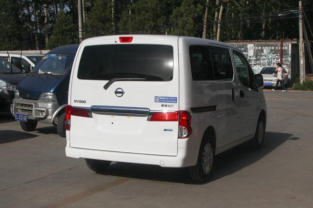 日产NV200