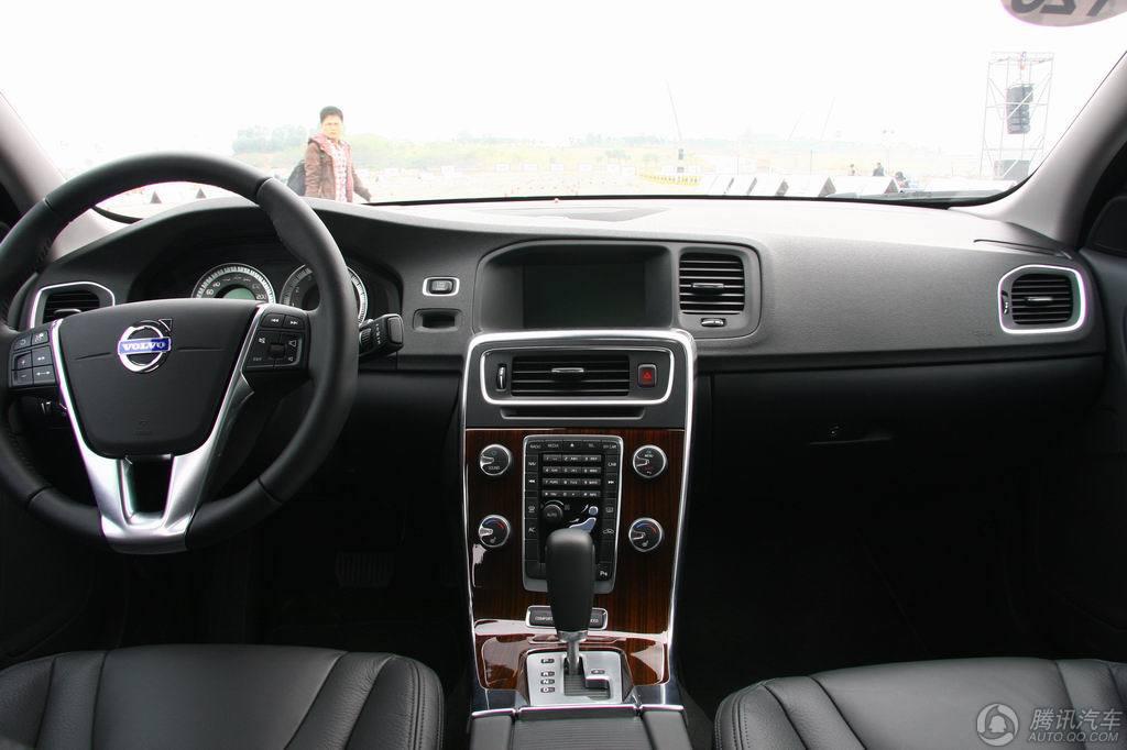 2011款 沃尔沃S60 3.0T AWD 智雅版 试驾实拍