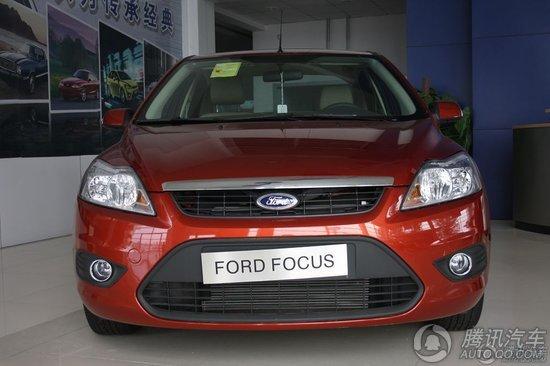 2011款 福特福克斯三厢 1.8 AT 时尚型