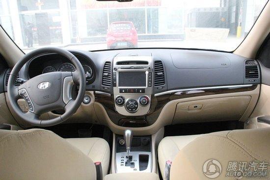 2011款 新胜达 2.4 两驱 豪华版5座