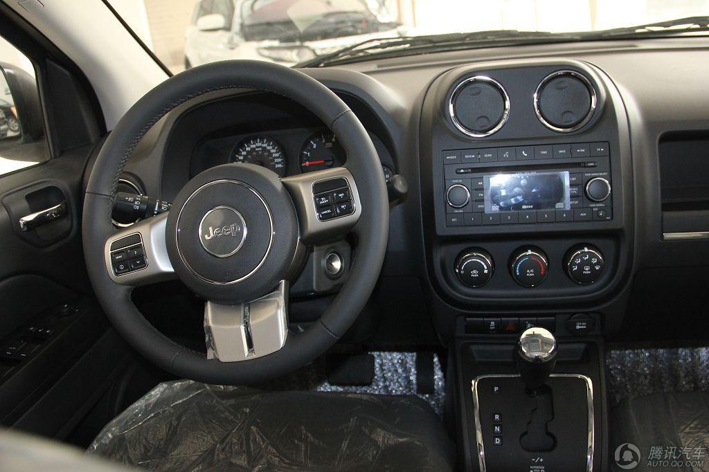 2011款 Jeep指南者 2.0 运动版
