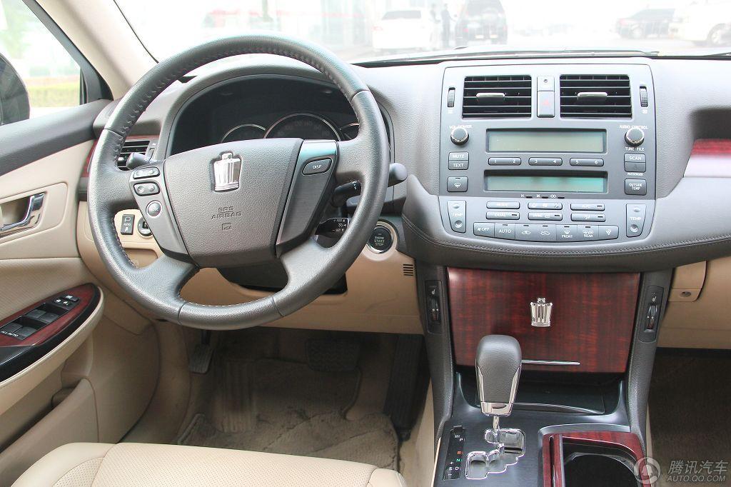 2010款 皇冠 3.0L V6 Royal 真皮版