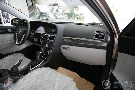2011款 中华H530 1.6L AT豪华型