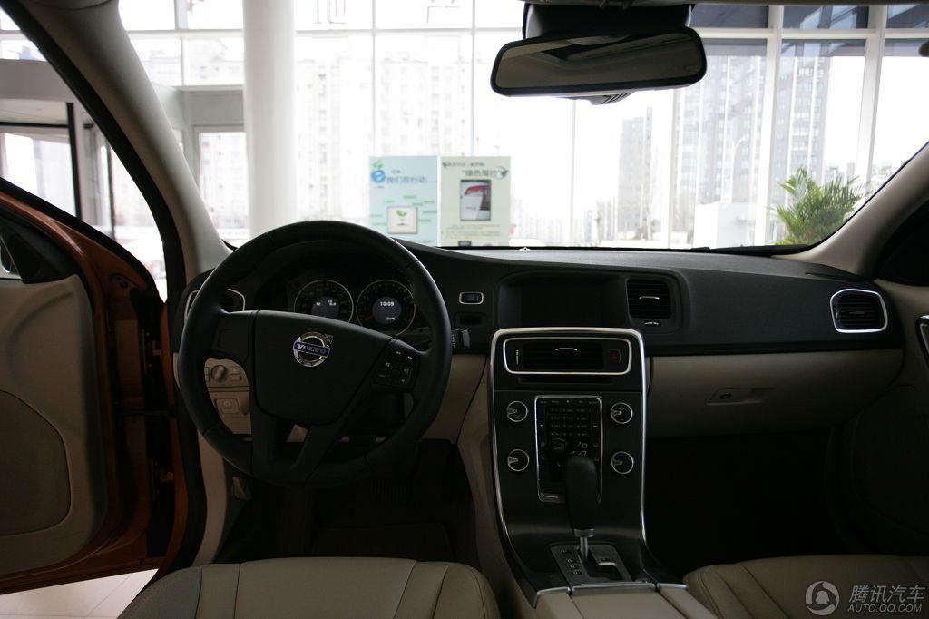 2012款 沃尔沃S60 2.0T T5 智雅版