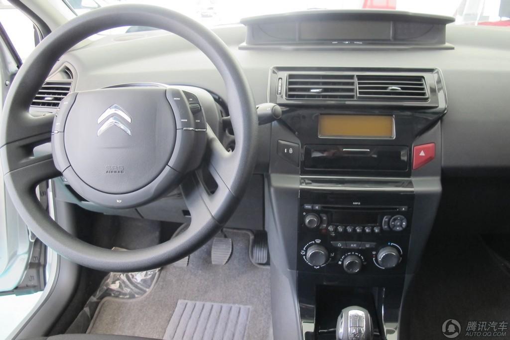 2012款 世嘉 三厢 1.6L MT品尚型