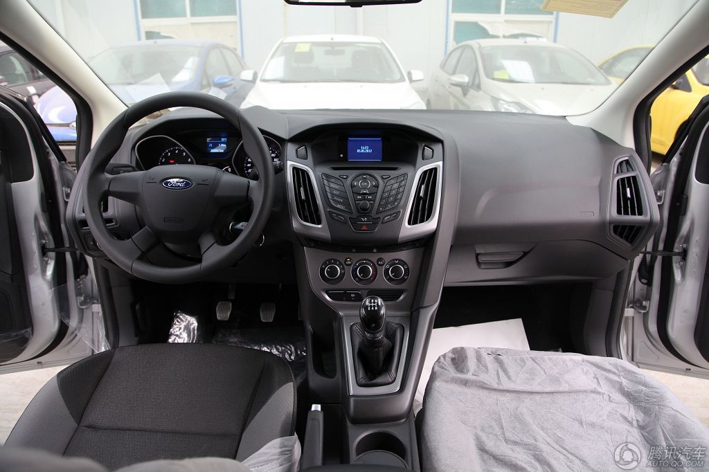 2012款 福克斯两厢 1.6 MT 舒适型