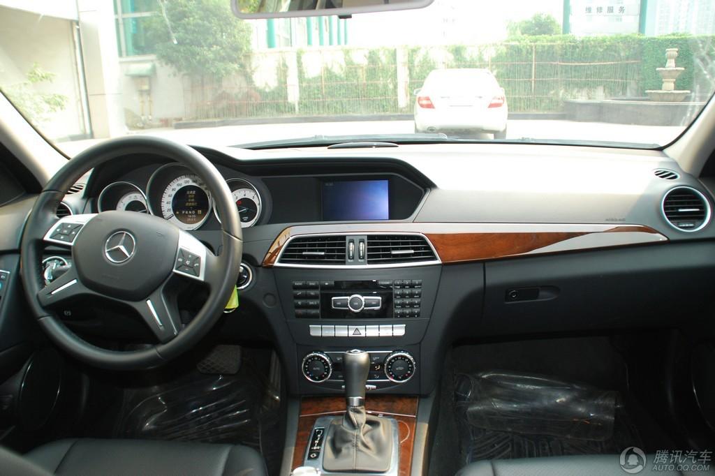 2011款 奔驰C级 C200优雅型