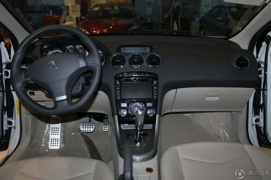 2013款 标致408 2.0L 自动尊贵版
