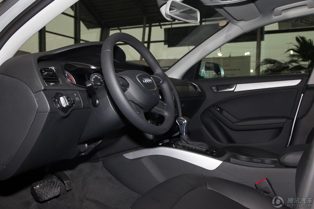 2013款 奥迪A4L 30 TFSI 自动舒适型