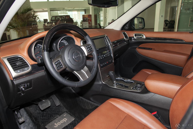 吉普大切诺基是吉普家族中极具个性的一款大尺寸车型,jeep-高清图片
