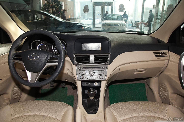 2012款 东南V5菱致 1.5L MT舒适型