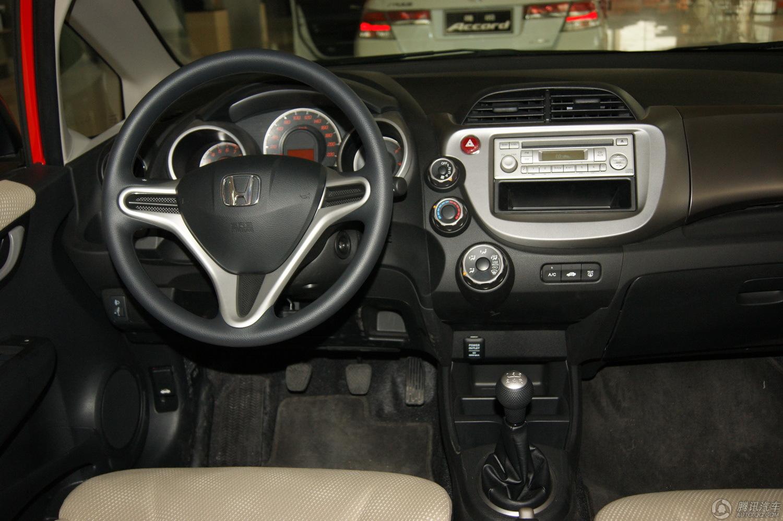 2011款 飞度 1.3L MT舒适版