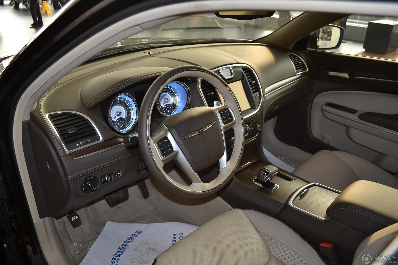 2013款 克莱斯勒300C 3.6L 尊崇版
